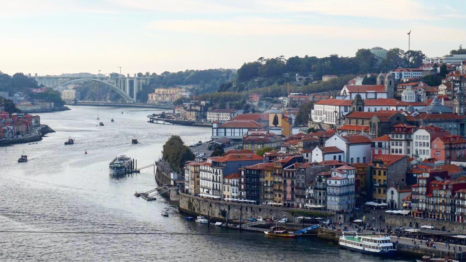 Bate e Volta em Aveiro e Porto
